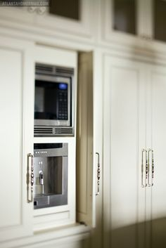 Kitchen Cabinets (Hidden microwave)