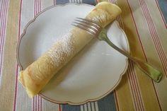 Hier ein einfaches Rezept für Pfannkuchen aus Reismehl. Das Gericht schmeckt mit Marmelade oder Nutella besonders gut.