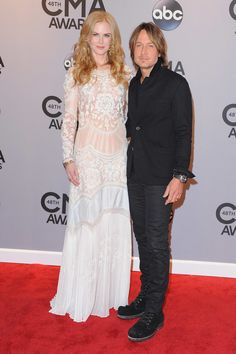 Pin for Later: 17 Times Celebrities Totally Outdressed Their Dates Nicole Kidman and Keith Urban Keith definitely had that cool, rock star thing going on, but it just didn't mix with Nicole Kidman's long, glamorous gown. Celebrity Couples, Celebrity Photos, Celebrity Style, Keith Urban, Nicole Kidman, Blake Lively Ryan Reynolds, Stylish Couple, Tall Women, Hollywood Celebrities