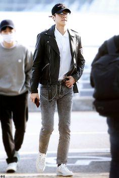 Sehun, Exo, Leather Jacket, Jackets, Madness, Fashion, Singers, Templates, Studded Leather Jacket