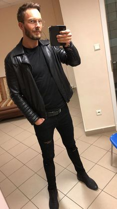 Men's Leather, Leather Pants, Piece Of Clothing, Leather Jackets, Guys, My Style, Health, How To Wear, Clothes