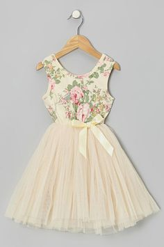 Floral . Tulle .