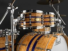 http://pearldrum.com/products/kits/drumsets/masterworks/