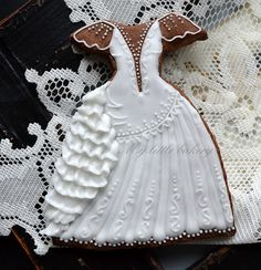 Old Fashioned Wedding Dress Cookies! Shoe Cookies, Fancy Cookies, Cupcake Cookies, Tea Cookies, Sugar Cookies, Old Fashioned Wedding Dresses, Shabby Chic Christmas Stockings, Wedding Dress Cookies, Dress Wedding