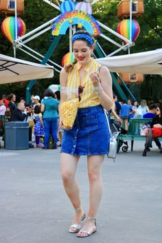 Summer outfit ideas. Denim skirt.