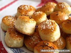Tvarohové pagáčiky - recepty Pretzel Bites, Baked Potato, Hamburger, Bread, Baking, Ethnic Recipes, Food, Basket, Bakken