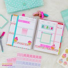 """""""Here's next week's layout of my @erincondren Life Planner. I pulled the two primary colors of the original planner pages (turquoise and pink) as the base…"""""""