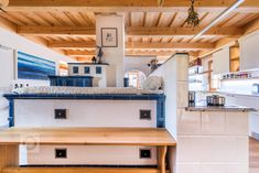 Kuchyně v kouzelné dřevěnici / Kitchen in a charming wooden house Kitchen In, Kitchen Ideas, Wooden House, Provence, Bed, Furniture, Home Decor, Design, Style