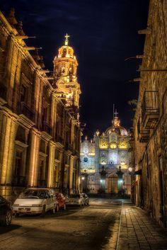 Remate visual de la Catedral de Morelia, Mexico