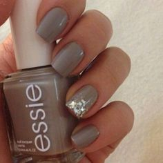 15 Pretty Winter Nail Art Ideas (6)
