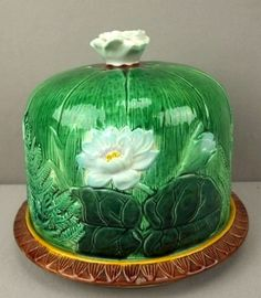 """HOLDCROFT pond lily cheese keeper, nice color, 8""""d, 6 1/2""""h, from the Lauren Bacall Collection"""