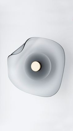 The art of light. Australian-made, handcrafted timeless architectural lighting design established in 2012. Articolo's founder and design director, Nicci Green, has created lighting design collections characterised by artisanal mouth blown glass and finely crafted porcelain. Articolo's table lamps, floor lamps, wall sconces and pendants are featured in luxury hotels, hospitality venues and high-end residential projects worldwide.