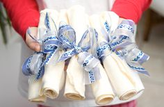 blue_napkin_ribbons.jpg 856×561 píxeles