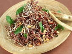 Healthy Recipes: Banana Flower Salad Asian Recipes, New Recipes, Healthy Recipes, Ethnic Recipes, Banana Flower, Laos Food, Sour Taste, Island Food, Healthy Salads