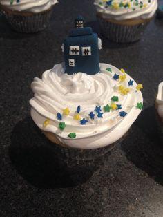 Dr Who Tardis cupcakes