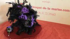 Bouquet mariée gothique violet et noir perles plumes Violet, Rose, Marie, Wreaths, Alternative Wedding, Wedding Bouquet, Black Colors, Feathers, Pink