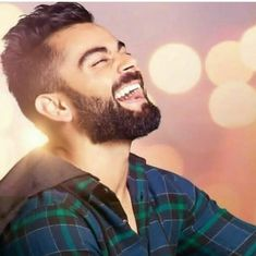 His smile means everything to every die heart fan of him💖💖💖 Anushka Sharma And Virat, Virat Kohli And Anushka, Virat Kohli Quotes, Virat Kohli Instagram, Virat Kohli Wallpapers, Avengers Imagines, New Mehndi Designs, Indian Celebrities, Bollywood Actors