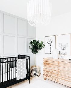 Bohemian Nursery Decor: 10 Gorgeous Rooms With Shoppable Links /// By Design Fixation Bohemian Nursery Decor: 10 prachtige kamers met shoppable links /// By Design Fixation Bohemian Nursery, Rustic Nursery, Bohemian Baby, Nautical Nursery, Bohemian Decor, Scandinavian Bedroom, Scandinavian Style, Nursery Design, Baby Room Design