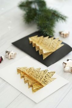 DIY: Homemade Christmas Cards My Mirror World – Handgefertigte karten – Welcome The Crafts Diy Gifts For Christmas, Christmas Gifts For Boyfriend, Noel Christmas, Christmas Decorations, Best Christmas Cards, Christmas Ornaments, Christmas Events, Christmas Quotes, Christmas Wishes