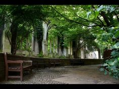 Places to see in ( London - UK ) St. Dunstan in the East #travelingram #instatraveling #travelingourplanet #travelingtheworld #lovetraveling #traveling #travel#worldtravel