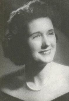 """Hazel Brannon Smith, Delta Zeta: Hazel received the Pulitzer Prize for editorial writing in 1964 for her """"steadfast achievement to her editorial duty in the face of great pressure and opposition,"""" as she bravely crusaded against racial inequality and social injustice through the three Mississippi newspapers she owned during the Civil Rights Movement."""
