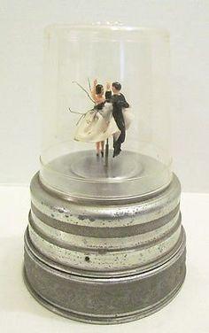 DANCING COUPLE VINTAGE ALUMINUM MUSIC BOX JEWELRY POWDER BOX METAL ...