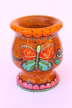 Flower Pot Crafts, Flower Pots, Paper Mache Bowls, Painted Clay Pots, Ideias Diy, Ceramic Pots, Painting Patterns, Baby Headbands, Diy Painting