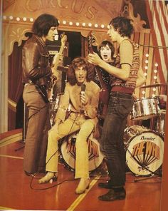 """The Who- Opening up """"A Quick One"""" at the Rolling Stone's Rock and Roll Circus """"Her man's been gone. Music Love, Music Is Life, Rock Music, My Music, Rock And Roll Bands, Rock N Roll, Great Bands, Cool Bands, Roger Daltrey"""