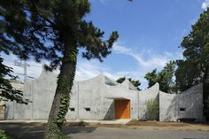 Takeshi Hosaka Architects designed a public church in Japan