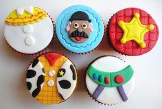 Cupcake Toy Story Lindos e deliciosos cupcakes para enfeitar a sua festa. Ideal para aniversários e lembrancinhas.