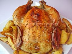 Pui intreg la cuptor cu cartofi preparare Jacque Pepin, Good Food, Yummy Food, Romanian Food, Cordon Bleu, Food And Drink, Turkey, Tasty, Meat