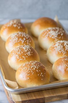 These fluffy, golden Sourdough Hamburger Buns will bring your burger night to the next level! Start the dough in the morning, and buns are ready by dinner. Sourdough Hamburger Buns Recipe, Sourdough Starter Discard Recipe, Sourdough Recipes, Sourdough Bread, Butterhorn Rolls Recipe, Bread Bun, Brioche Bread, Bread Rolls, Burger Night