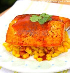 Salmón con Salsa de Guayaba (Salmon with Guava Sauce) Fish Recipes, Seafood Recipes, Mexican Food Recipes, Vegetarian Recipes, Cooking Recipes, Healthy Recipes, Colombian Food, Chicken Recipes, Sauces
