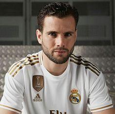 nacho fernandez Real Madrid, Nacho Fernandez, Sports Celebrities, Nachos, Football Players, Bear, Link, Instagram, Sports