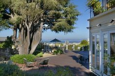 I toured this house years ago and it is absolutely gorgeous. Amazing SF views!