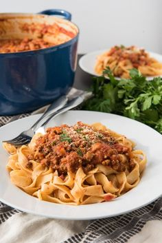 An image of a plate of tagliatella bolognese with a large dutch oven full of bolognese sauce behind. Home Recipes, Cooking Recipes, Best Bolognese Sauce, Dinner For 2, Pasta Sauce Recipes, Recipe House, Summer Recipes, Italian Recipes, Stuffed Mushrooms