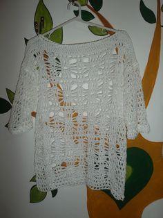 Remera al crochet mangas al codo, blanca en hilo de algodon