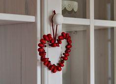 To pravé DIY na september: Šípkové srdce z drôtu
