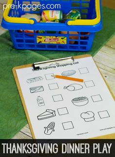FREE Dramatic Play Thanksgiving Feast Printable Mini Kit for Preschool and Kindergarten. Make learning fun with hands-on play activities to develop oral language and vocabulary! Thanksgiving Preschool, Fall Preschool, Preschool Lessons, Thanksgiving Feast, November Thanksgiving, Preschool Teachers, Preschool Centers, Preschool Printables, Teaching Kindergarten