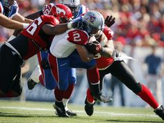 The Montreal Alouettes' Brandon Whitaker breaks past the Calgary Stampeders' Demonte Bolden CFL football action in Calgary July 20, 2013.