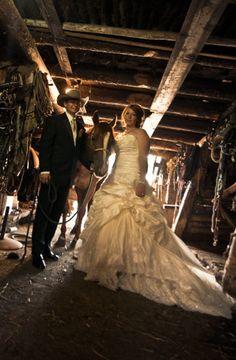 Western/cowboy wedding ideas | Western Wedding Photo
