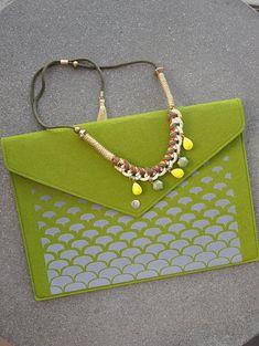 Green clutch purse, Envelope clutch, Green handbag, Laptop carrying case, Folder case, Green laptop case, Felt macbook sleeve, Laptop cover #fashion #fashionblogger #bags #boho #bohostyle #tote #totebag #style #styleblogger #fashionista