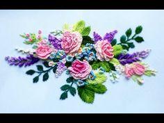 Bordado manual de flores em tecido