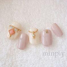 Bijoux➵ #ジェルネイル #ビジュー #ネイル #ネイルアート#エースジェル #nail #nails #nailart #gelnails #bijoux #minpiy