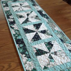 Quilted Christmas Tablerunner 3 by lmkquilts on Etsy, $35.00