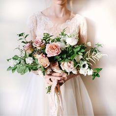 modest wedding dress from alta moda. photo: mandi nelson flowers: tinge floral