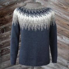 Strikkeopskrift -Søster Elise - Tvinni -køb online hannelarsenstrik.dk Sweater Knitting Patterns, Knitting Designs, Knit Patterns, Fall Sweaters, Girls Sweaters, Drops Baby, Nordic Sweater, Angora, Damen Sweatshirts