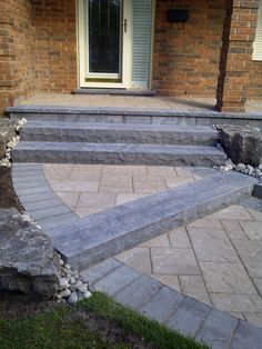 Driveway Landscaping, Landscaping Ideas, Decking Ideas, Retaining Wall Steps, Front Yard Walkway, Landscape Bricks, Old Stone Houses, Hardscape Design, Exterior Stairs