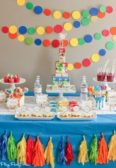 Love this splatter and splash party idea, combine art and water games in one great party from playpartypin.com