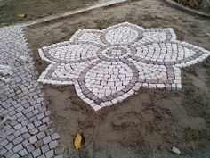Garden pavers - 36 Garden Paving Designs to Make the Best out of Your Outdoor Space Garden Pavers, Paver Walkway, Backyard Landscaping, Garden Floor, Walkways, Outdoor Pavers, Brick Pavers, Paving Pattern, Paver Designs